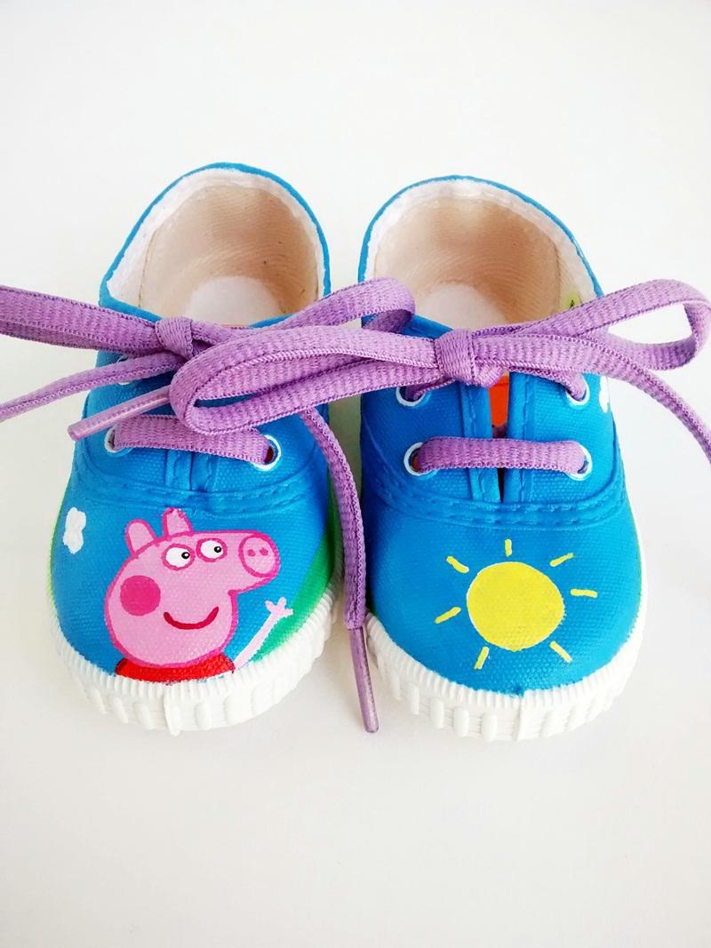 Pepa pig zapatillas nadibu - Cabeceras pintadas en la pared ...